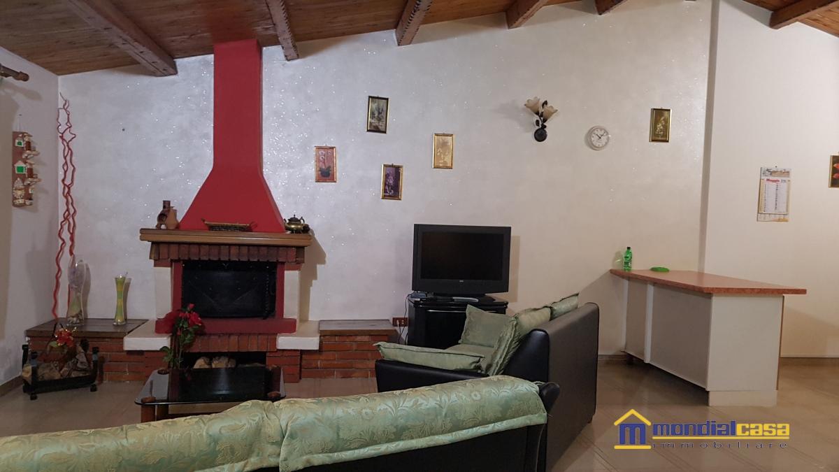 Palazzo / Stabile in vendita a Pachino, 10 locali, prezzo € 210.000 | Cambio Casa.it