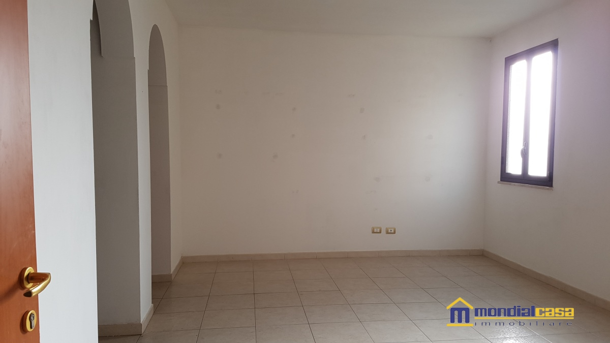 Appartamento affitto PACHINO (SR) - 5 LOCALI - 100 MQ