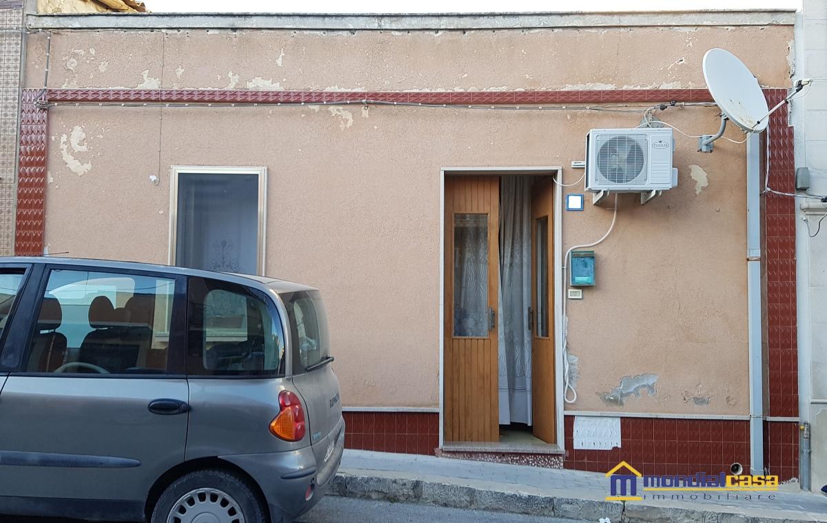 Soluzione Indipendente in vendita a Portopalo di Capo Passero, 4 locali, prezzo € 85.000   CambioCasa.it