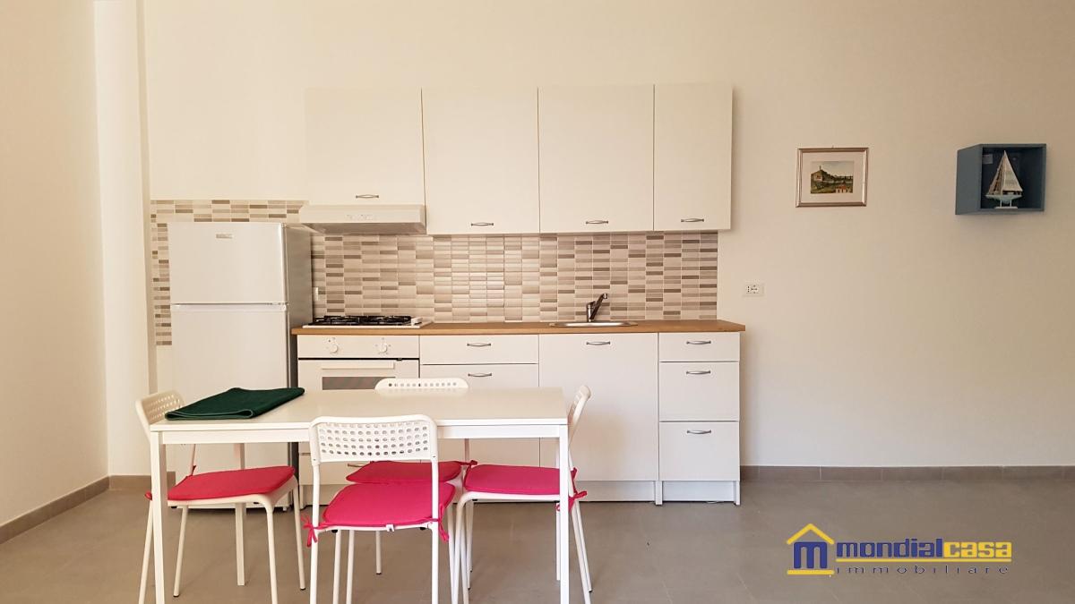 Appartamento in affitto a Pachino, 3 locali, prezzo € 450 | CambioCasa.it