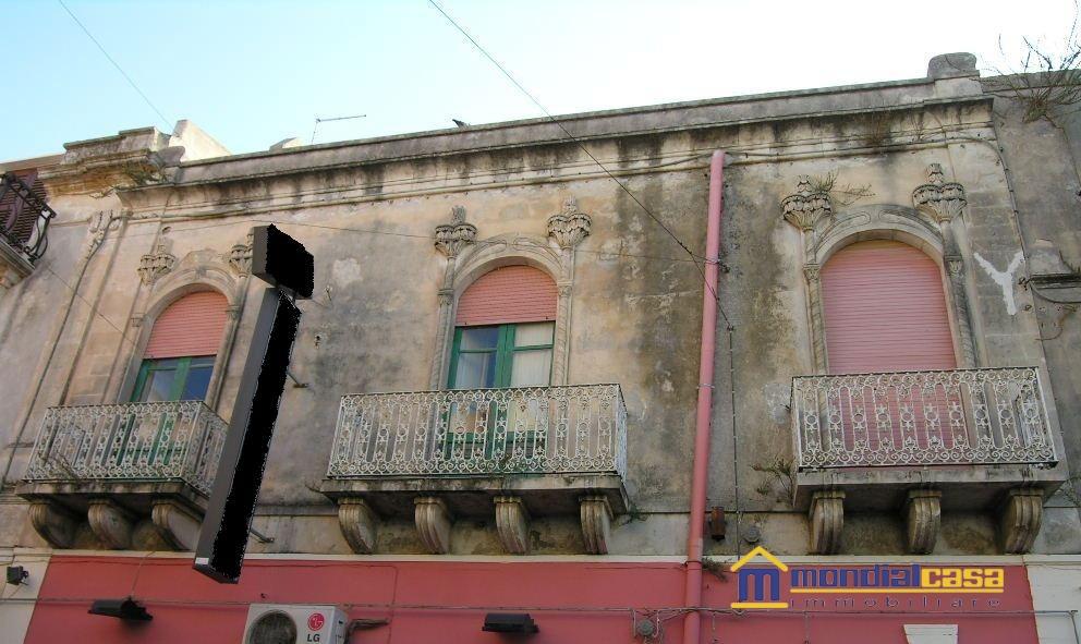 Vendita casa in stile pachino bairo localit citt for Casa in stile vittoriano in vendita