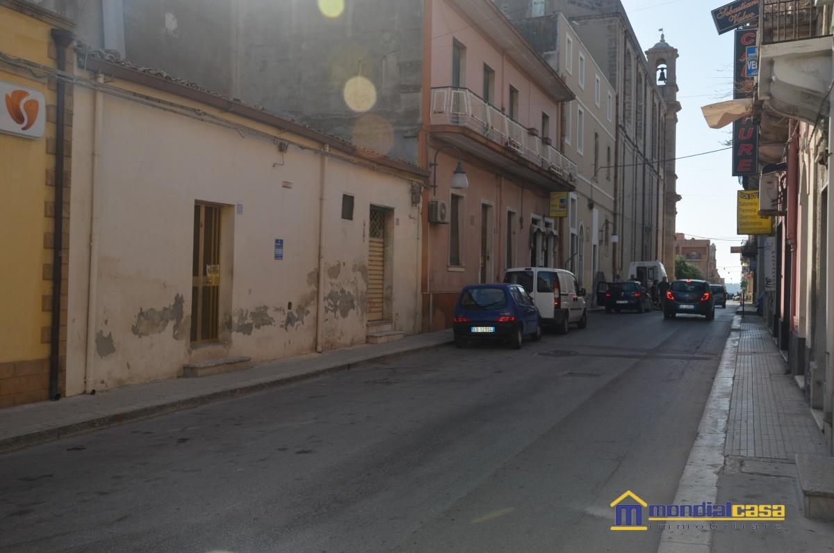 Attività / Licenza in vendita a Pachino, 2 locali, prezzo € 65.000 | CambioCasa.it