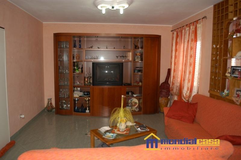 Appartamento in vendita a Pachino, 8 locali, prezzo € 107.500 | Cambio Casa.it