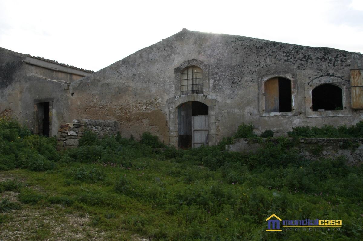 Rustico / Casale in vendita a Noto, 9999 locali, prezzo € 255.000 | Cambio Casa.it