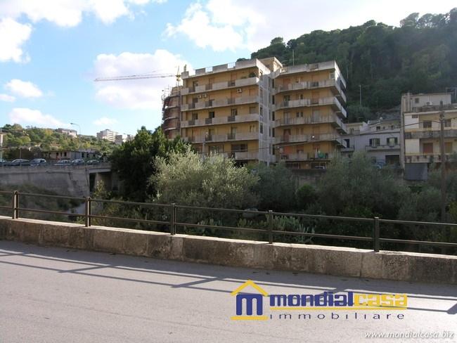 Box / Garage in vendita a Modica, 1 locali, prezzo € 65.000 | CambioCasa.it