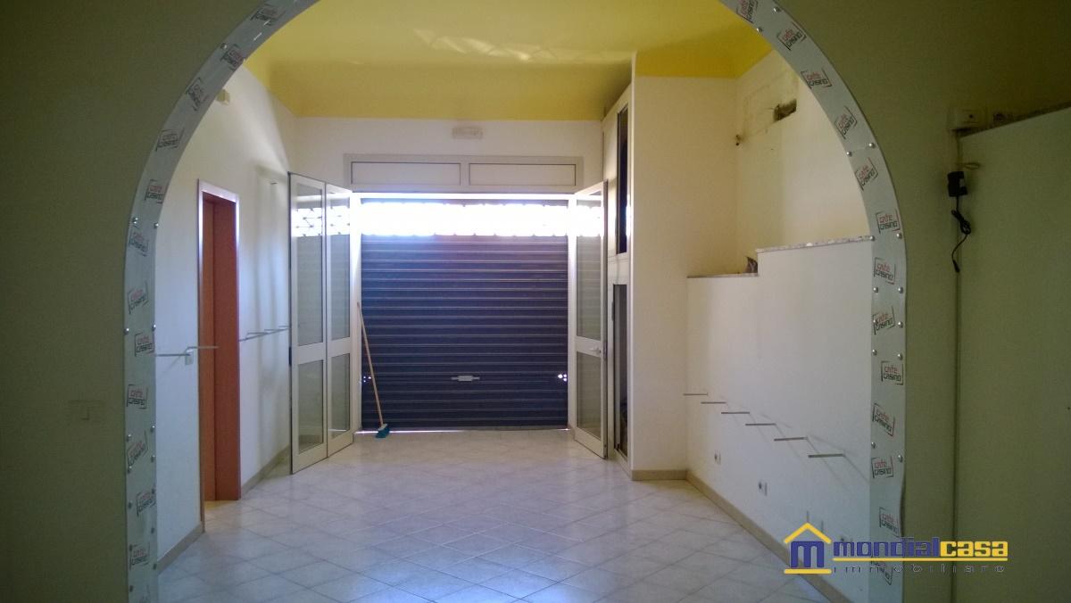 Attività / Licenza in affitto a Pachino, 2 locali, prezzo € 400 | Cambio Casa.it