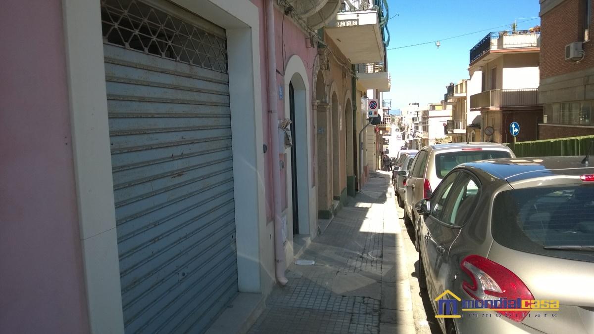 Attività / Licenza in vendita a Pachino, 2 locali, prezzo € 55.200 | Cambio Casa.it