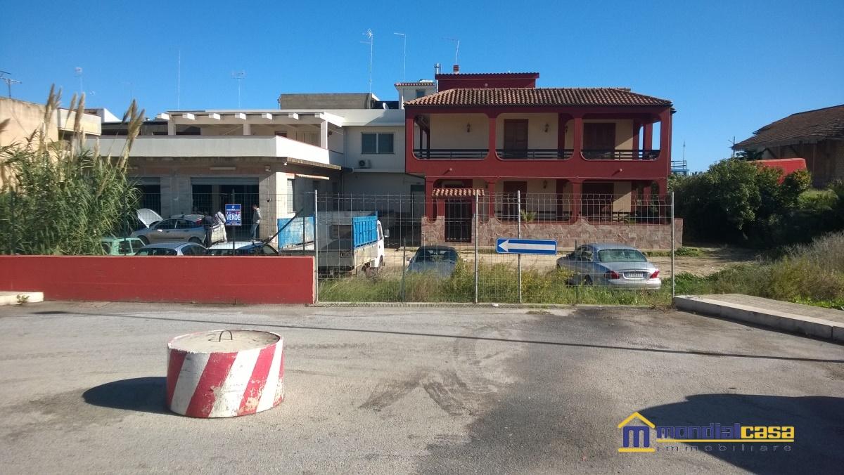 Terreno vendita PACHINO (SR) - 99 LOCALI - 889 MQ