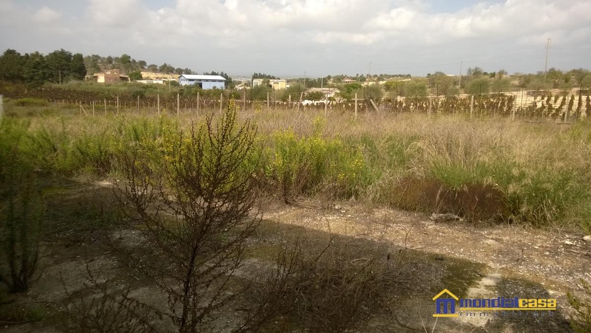 Soluzione Indipendente in vendita a Pachino, 7 locali, prezzo € 70.000 | Cambio Casa.it