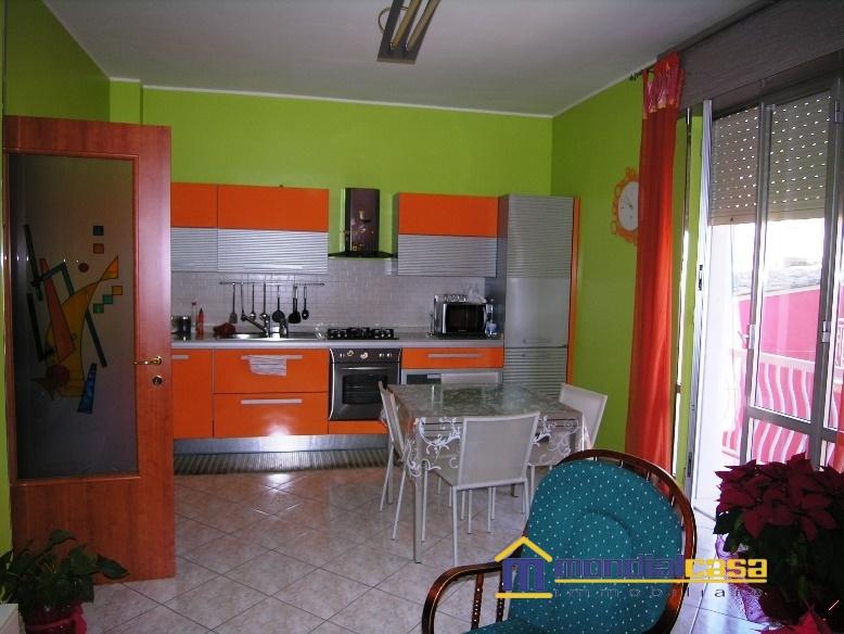 Palazzo / Stabile in vendita a Pachino, 10 locali, prezzo € 153.600 | Cambio Casa.it