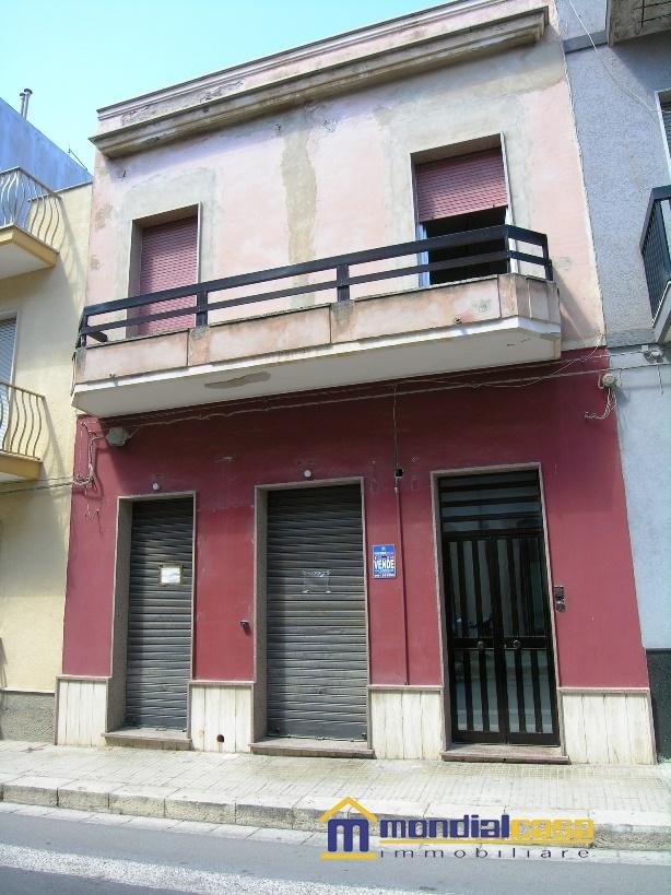 Palazzo / Stabile in vendita a Pachino, 12 locali, prezzo € 159.800   Cambio Casa.it