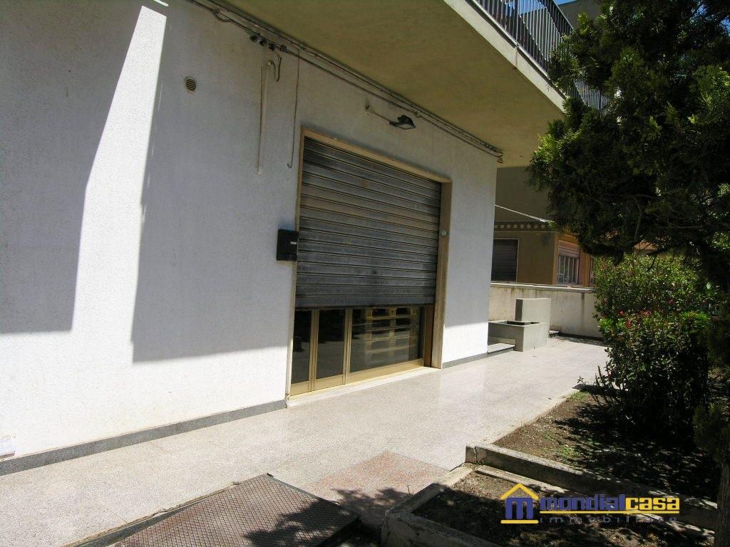 Attività / Licenza in vendita a Pachino, 1 locali, prezzo € 63.000   Cambio Casa.it