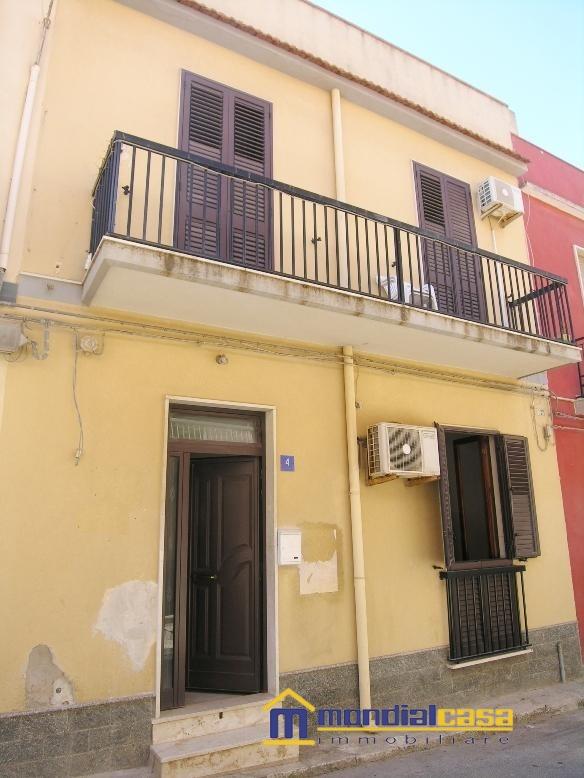 Palazzo / Stabile in vendita a Pachino, 4 locali, prezzo € 65.000 | Cambio Casa.it