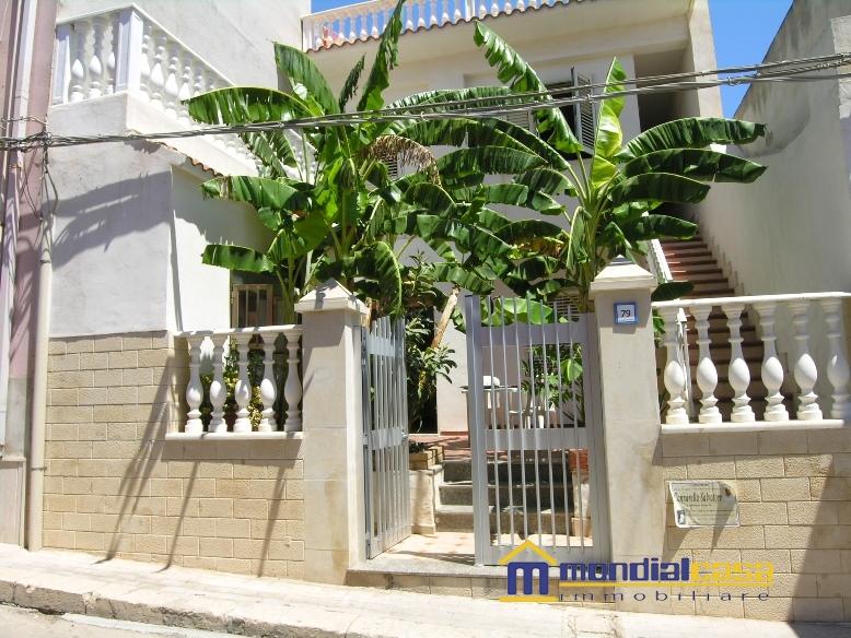 Appartamento in vendita a Portopalo di Capo Passero, 5 locali, prezzo € 160.000 | PortaleAgenzieImmobiliari.it