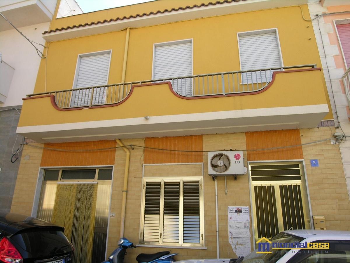 Palazzo / Stabile in vendita a Pachino, 5 locali, prezzo € 105.000   Cambio Casa.it