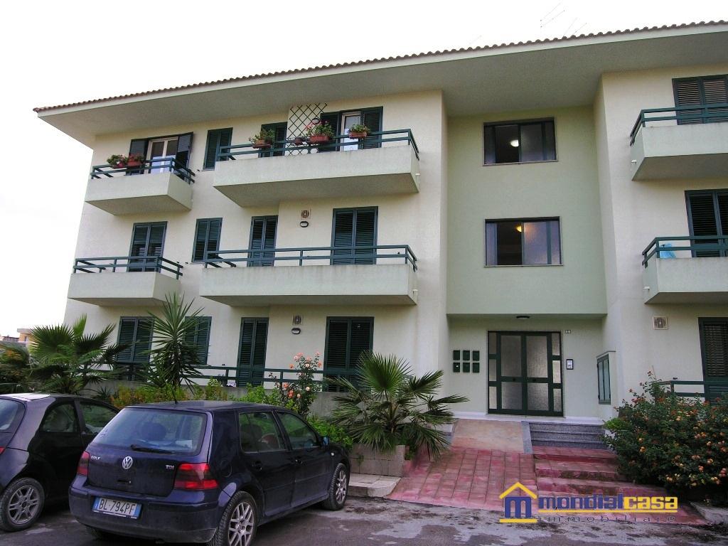 Appartamento in vendita a Pachino, 5 locali, prezzo € 119.000 | Cambio Casa.it