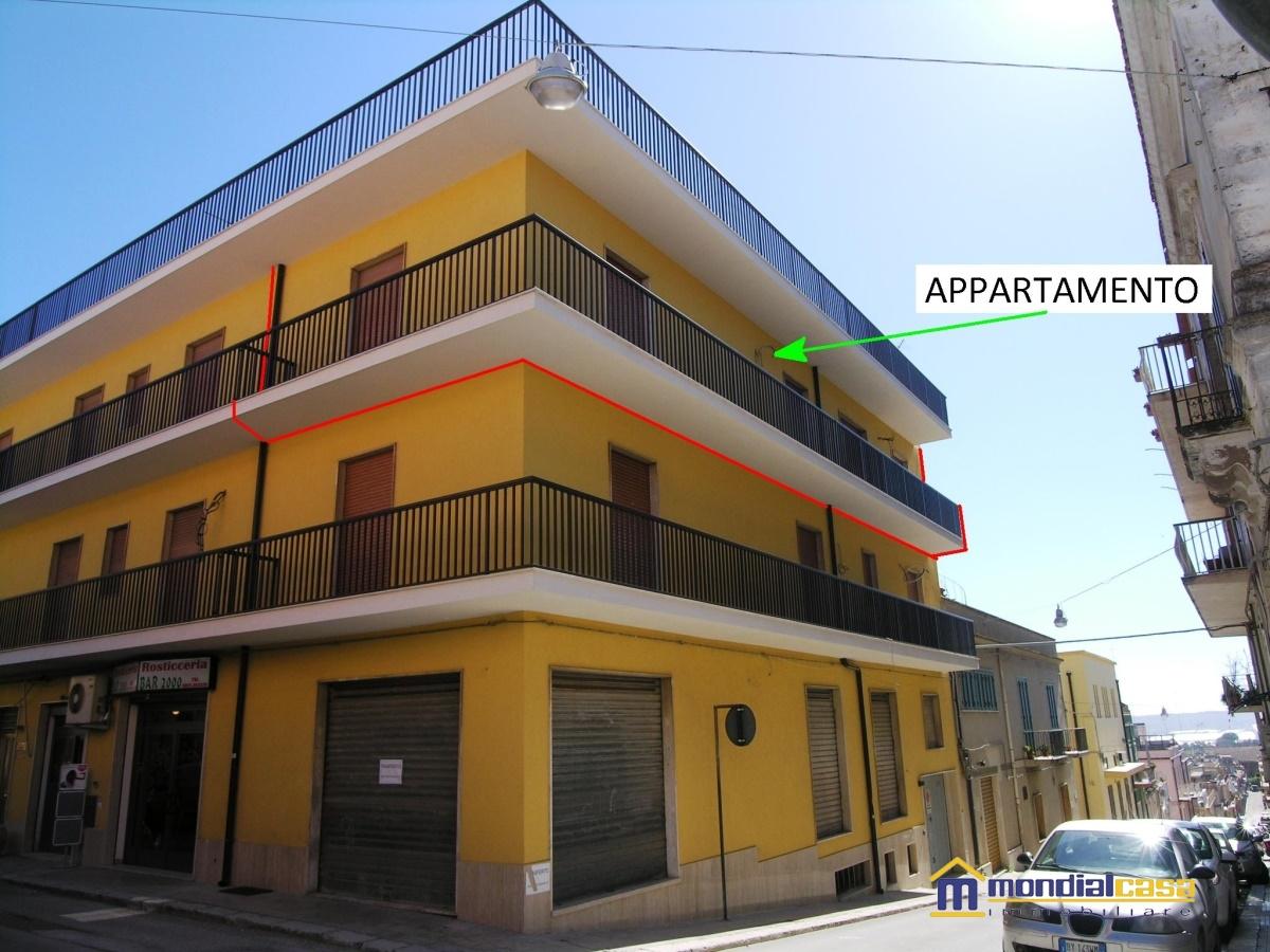 Appartamento in vendita a Pachino, 6 locali, prezzo € 88.000 | Cambio Casa.it