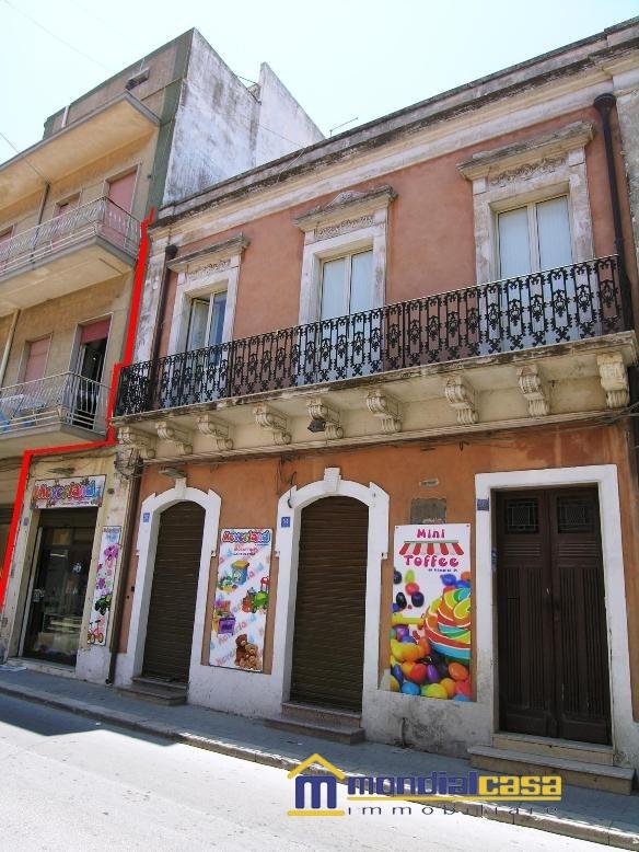 Palazzo / Stabile in vendita a Pachino, 6 locali, prezzo € 149.600   Cambio Casa.it