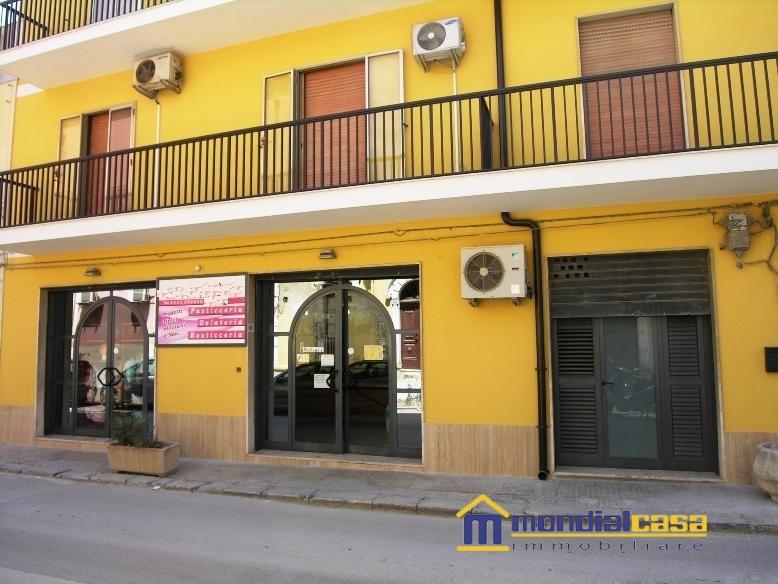 Attività / Licenza in vendita a Pachino, 4 locali, prezzo € 198.000 | CambioCasa.it