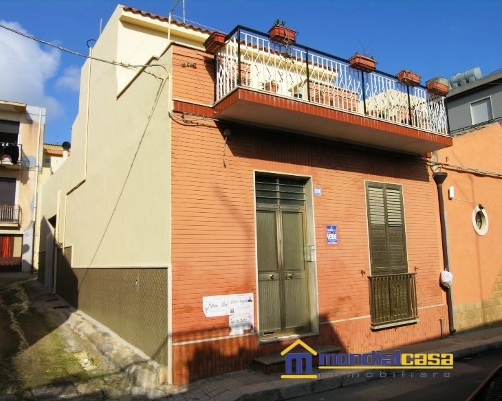 Palazzo / Stabile in vendita a Pachino, 6 locali, prezzo € 60.000 | Cambio Casa.it