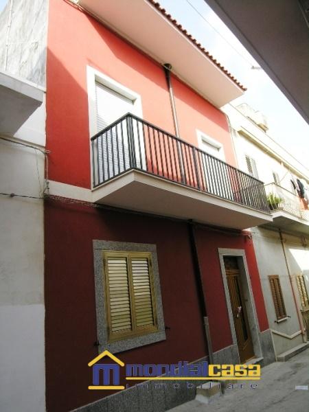 Palazzo / Stabile in vendita a Pachino, 6 locali, prezzo € 87.750 | Cambio Casa.it