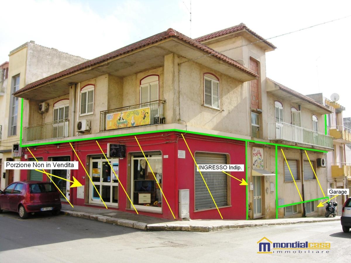 Appartamento in vendita a Pachino, 8 locali, prezzo € 186.000 | Cambio Casa.it