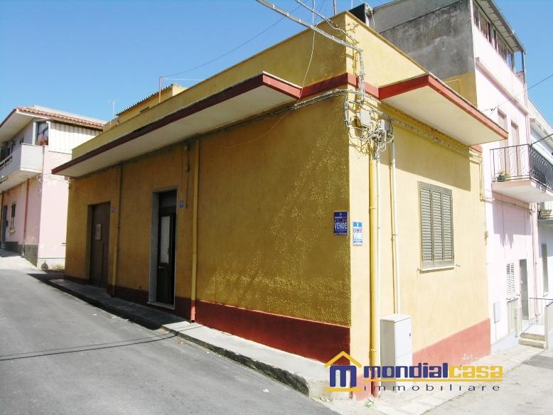 Palazzo / Stabile in vendita a Pachino, 5 locali, prezzo € 54.000 | Cambio Casa.it