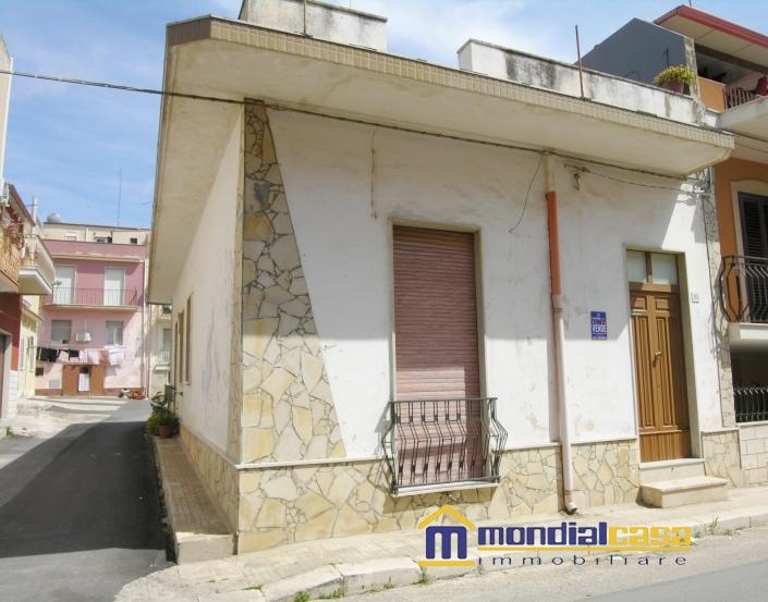 Palazzo / Stabile in vendita a Pachino, 4 locali, prezzo € 100.000 | Cambio Casa.it