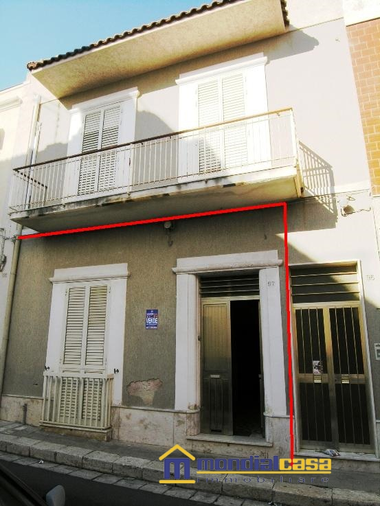 Appartamento in vendita a Pachino, 4 locali, prezzo € 50.000 | Cambio Casa.it