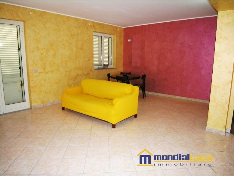 Appartamento in vendita a Pachino, 3 locali, prezzo € 110.000 | Cambio Casa.it