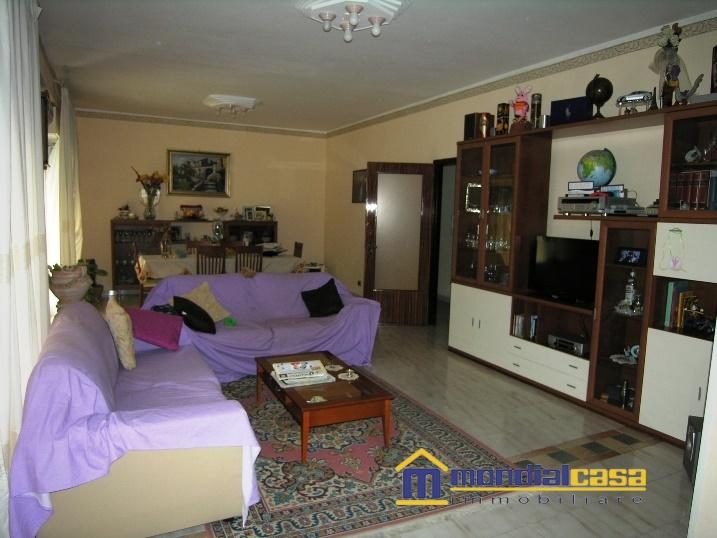 Appartamento in vendita a Pachino, 5 locali, prezzo € 85.500 | Cambio Casa.it
