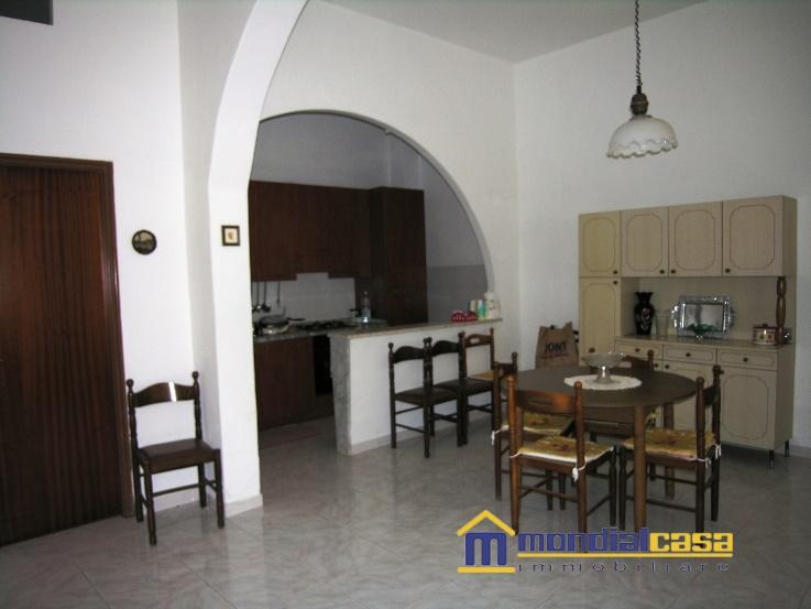 Palazzo / Stabile in affitto a Pachino, 3 locali, Trattative riservate | PortaleAgenzieImmobiliari.it